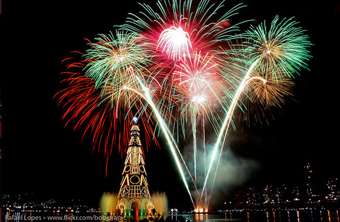 colorful_fireworks1.jpg