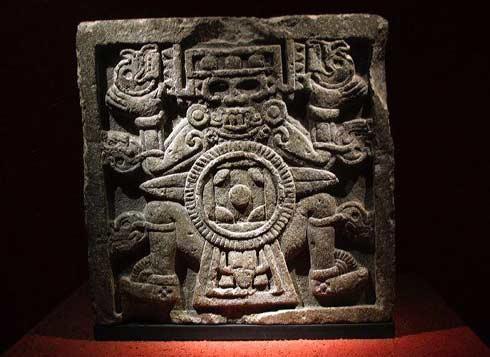 File_Tlaltecuhtli-statue
