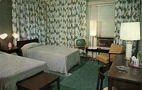 Hampton-Motor-Hotel,-1950's