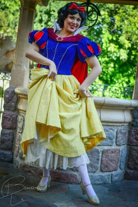 7-Stunning Snow White
