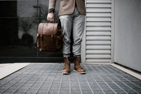 Best Outfits to Wear When Traveling